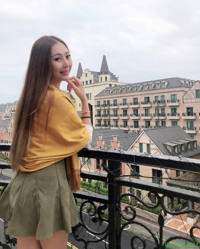 【6upoker】主播美女Evenni可希喜欢旅游 事业线深又性感