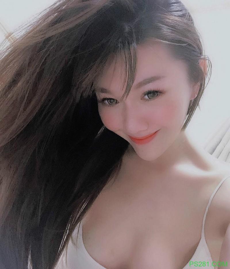 【6upoker】美女老板娘艾琳IRENE 爬山裸露火辣美乳令人山友腿软