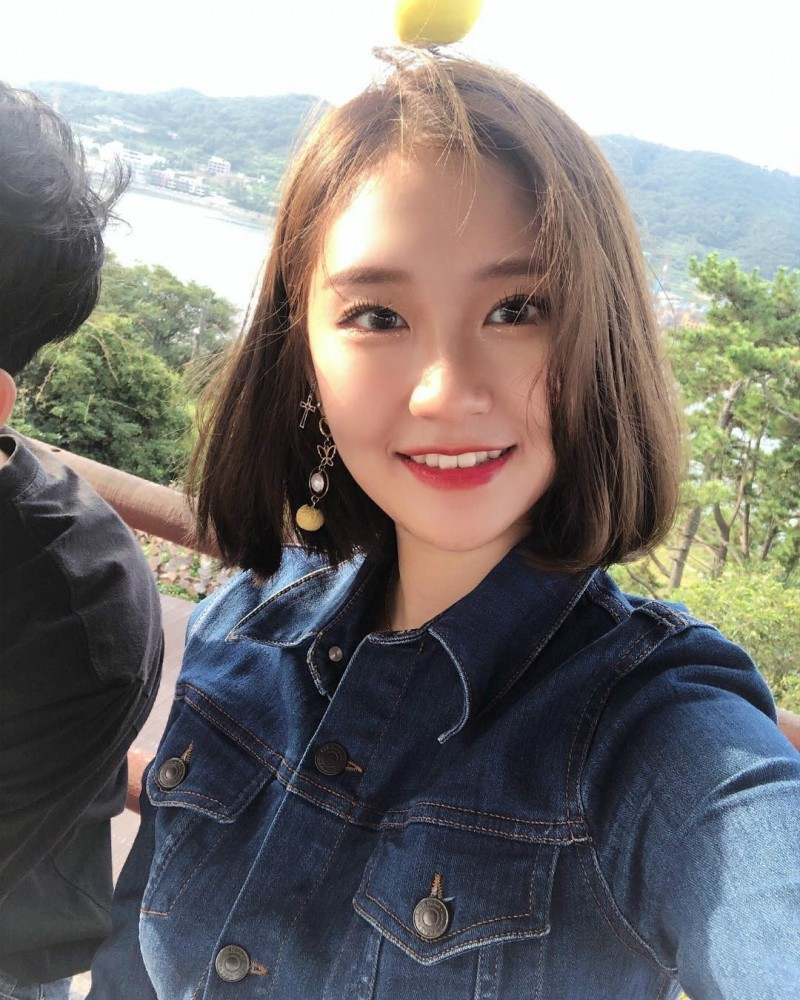 【6upoker】风景美女站立式 韩国正妹比基尼水上乐园戏水秀性感身材
