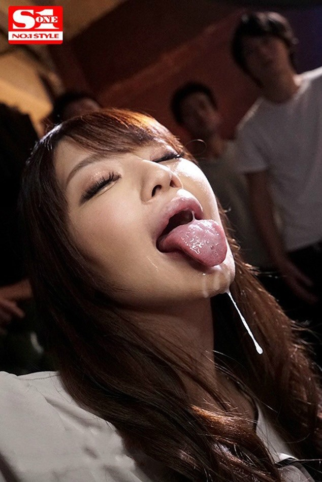 【6upoker】SSNI-671:女神安斋らら用那对超出规格的J罩杯神乳把你的精液给榨出来!