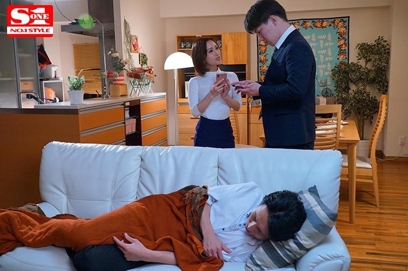 【6upoker】SSNI-744:人妻小岛南趁著老公不在狂啃小鲜肉!