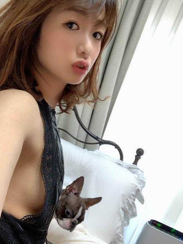 【6upoker】MEYD-606:翘臀少妇川上奈奈美上偷偷在更衣室裡面偷情做爱!