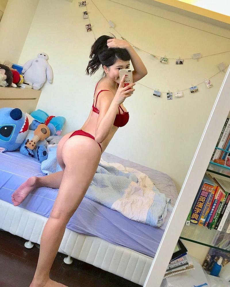 【6upoker】沙滩正妹Fibi Chen 性感美尻肉弹十足令人无法忽视