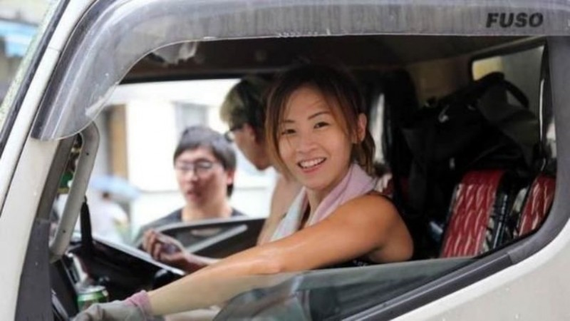 【6upoker】香港最美搬运工朱芊佩 美女搬运工小朱走红节目邀约不断