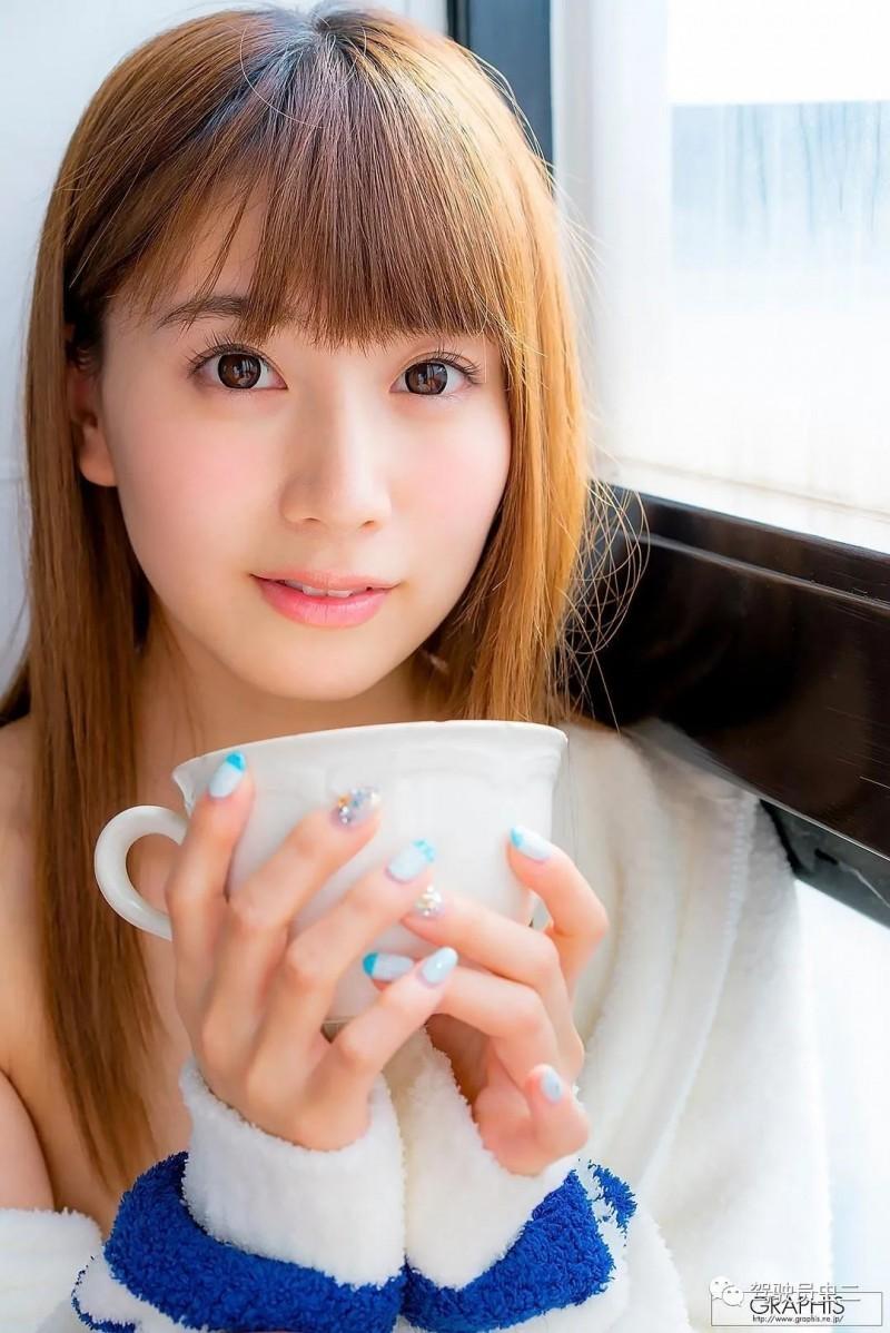 【6upoker】初川南MIDE-780 人妻得不到满足找公公哭诉