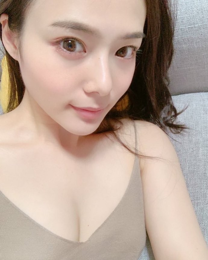 【6upoker】FLNS-196:三周年纪念,吉高宁宁素顔中出解禁!