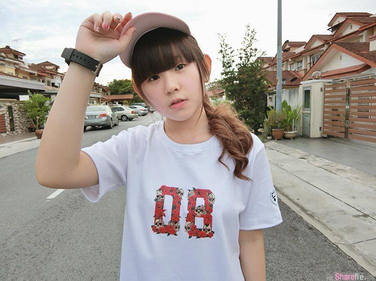 【6upoker】校园正妹Findy Yong 房间自拍专属伴侣躲被窝里