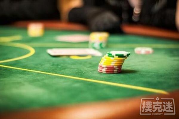 【6upoker】德州扑克跟注还是弃牌?谈阻断牌与抓诈牌之间的联系
