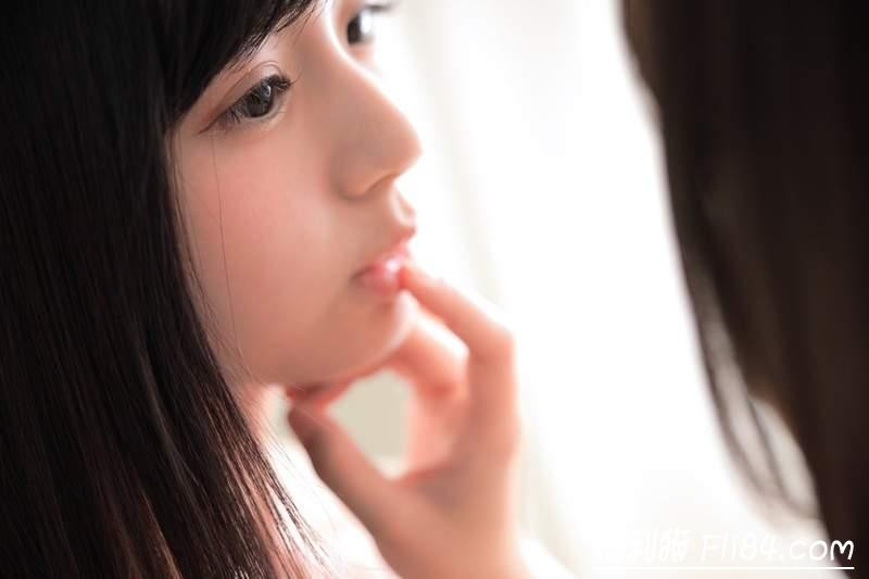 【6upoker】くりえみ(栗田惠美)、真奈《美少女百合写真》让人脸红心跳的大尺度!