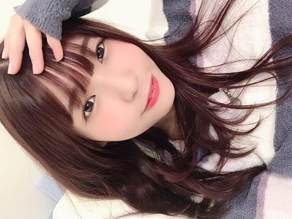 【6upoker】甜美小可爱樋口三叶分享居家写真照小露性感美腿!