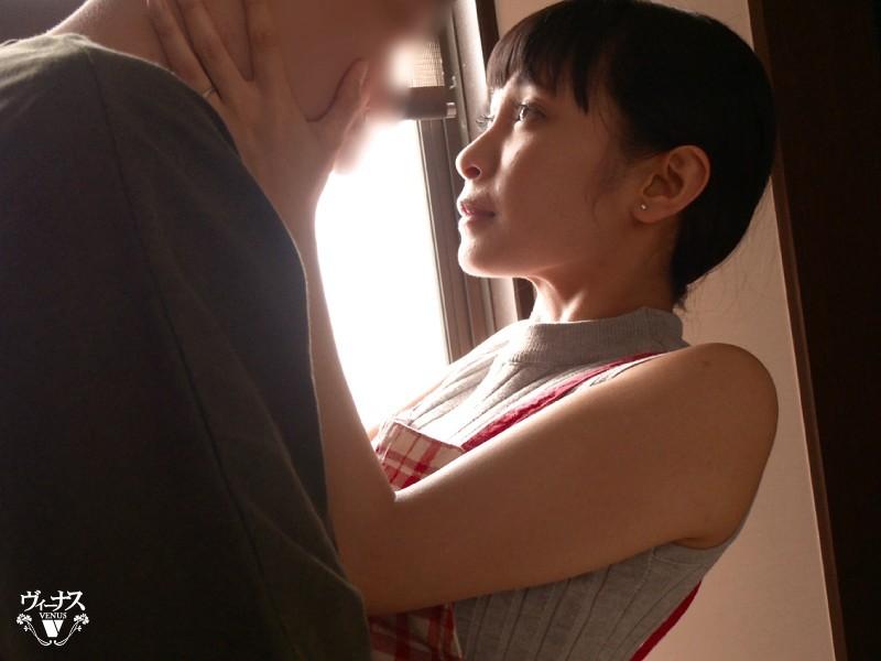 【6upoker】VENU-960 : 辣妈逢见梨花送老公出门后立刻和儿子合体!