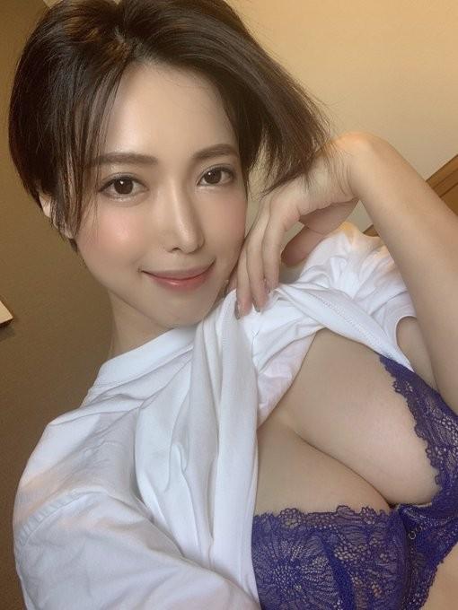 【6upoker】短发御姐君岛美绪野外性感露出!