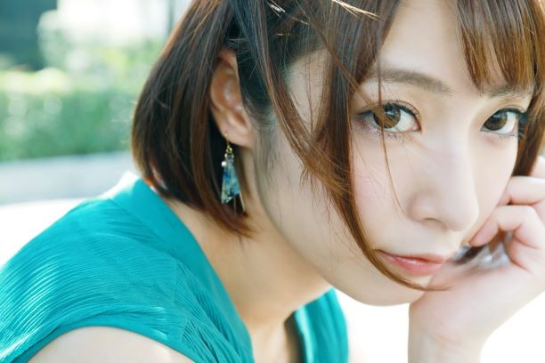【6upoker】短发熟女阿部乃美久第一次让男人走后门肛交!