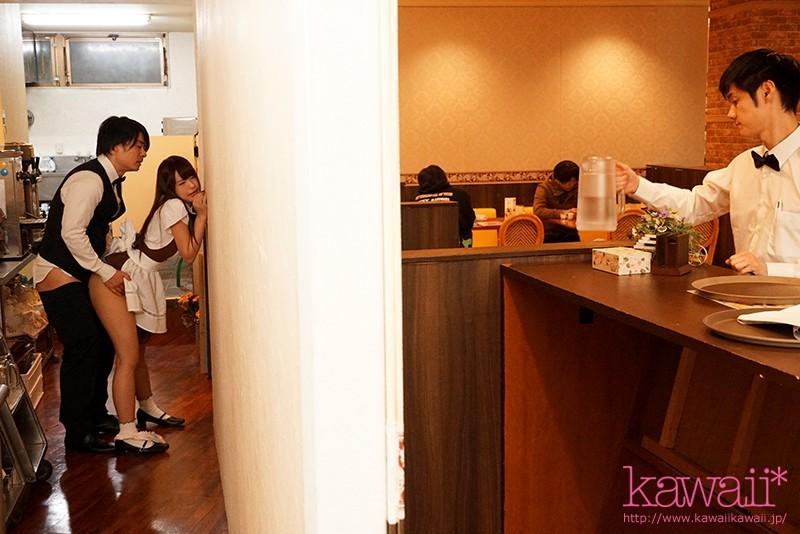 【6upoker】CAWD-064 :咖啡店打工妹樱萌子在后厨被同事们轮流中出~