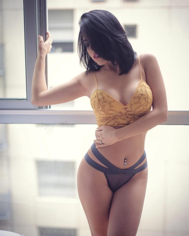 【6upoker】墨西哥辣模VerónicaFlores 性感身材前凸后翘美乳诱人