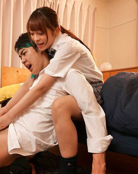 【6upoker】樱萌子MEYD-632 痴女制服妹樱もこ爱帮学长打手枪
