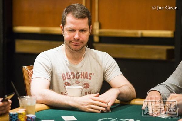【6upoker】德州扑克如何在深筹码时游戏最小暗三条