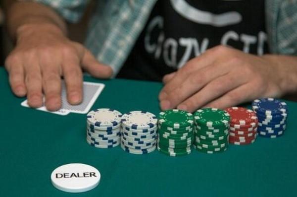 【6upoker】德州扑克如何游戏两对
