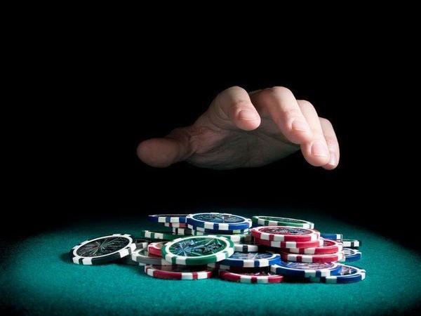 【6upoker】德州扑克知道该什么时候弃牌