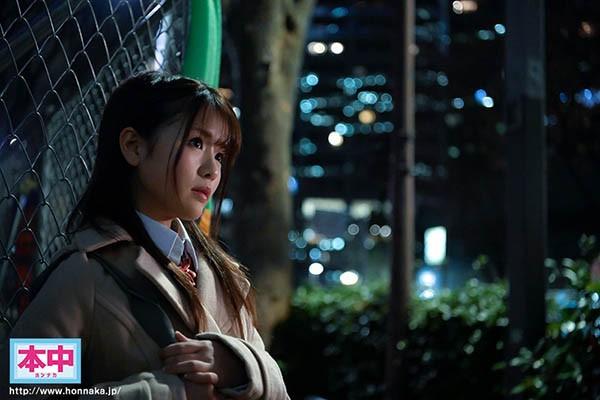 【6upoker】HND-829:高中美少女「永瀬ゆい」迫接受大叔的占有抽插!