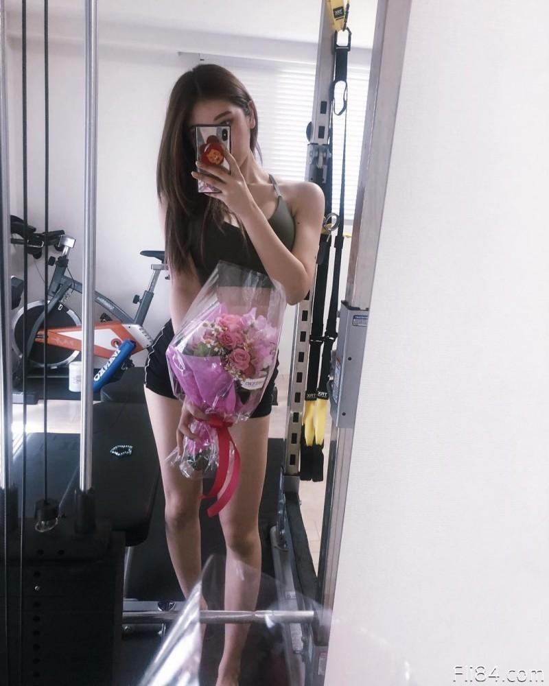 【6upoker】今日妹子图20200330:大奶御姐REONA公开承认整形,脸蛋漂亮,蛮腰翘臀也兼具!