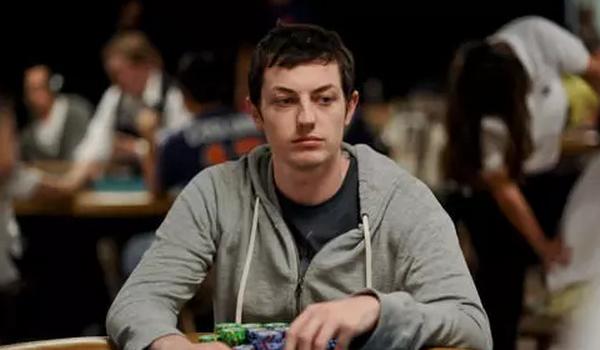 【6upoker】德州扑克面对松凶玩家我们容易产生的错觉