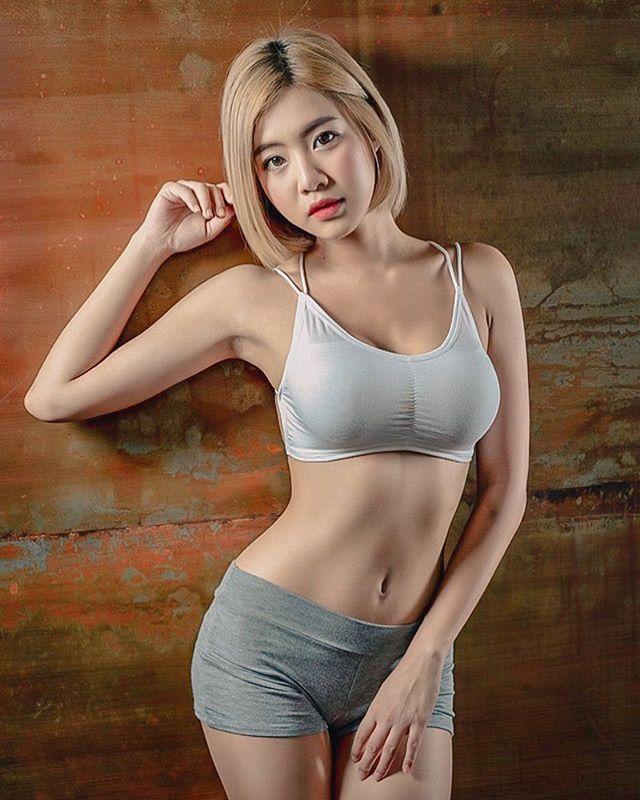 【6upoker】DJ「Soda」复制人?泰国网红《FAHFAH》无论巨胸与美臀都一样有料!