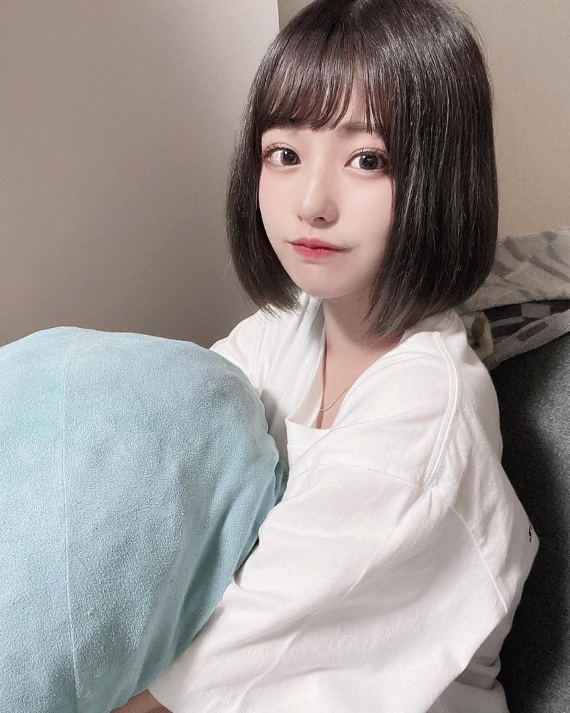 【6upoker】软萌短发小萝莉「国木田さりまる」肉肉小脸让人超想捏如果她是我妹妹就好了