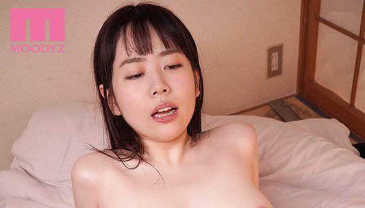 【6upoker】妈妈出门不在家…巨乳美少女「水卜さくら」惨遭变态继父「强制进入」!