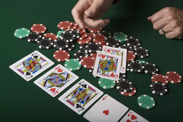 【6upoker】德州扑克线性范围、紧缩的范围及两极化的范围
