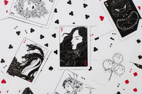 【6upoker】德州扑克当你拿着AK面对两个疯狂玩家的全压时,你该如何做