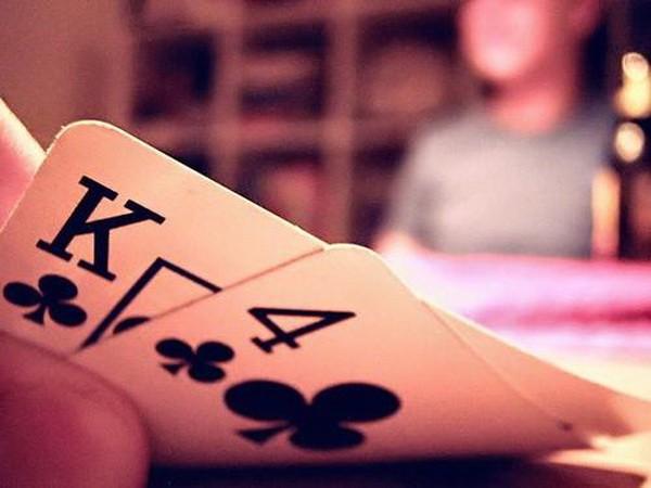 【6upoker】德州扑克用足够多的防守对抗3bet
