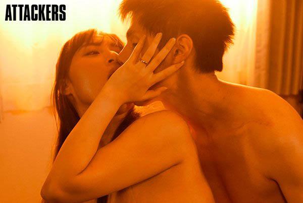 【6upoker】跟寂寞人妻忘情玩乐!J罩杯巨乳「日下部加奈」移籍Attackers「解禁中出」!
