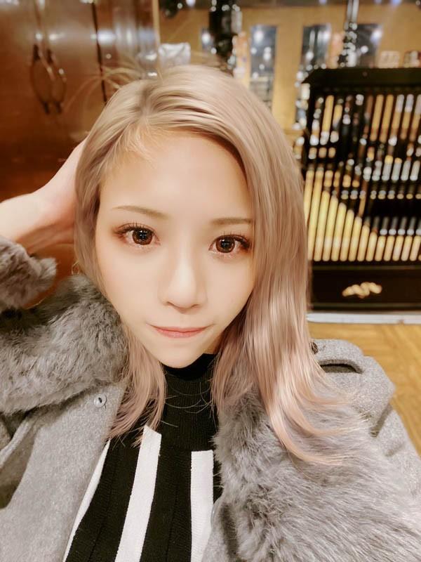 【6upoker】花式溜冰选手!美胸辣妹「冰堂莉莉亚」自曝害羞春梦AV出道!