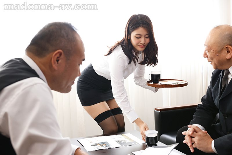 【6upoker】巨乳黑丝OL「神宫寺ナオ」沦上司专属玩偶 私密「绝对领域」任对方玩弄