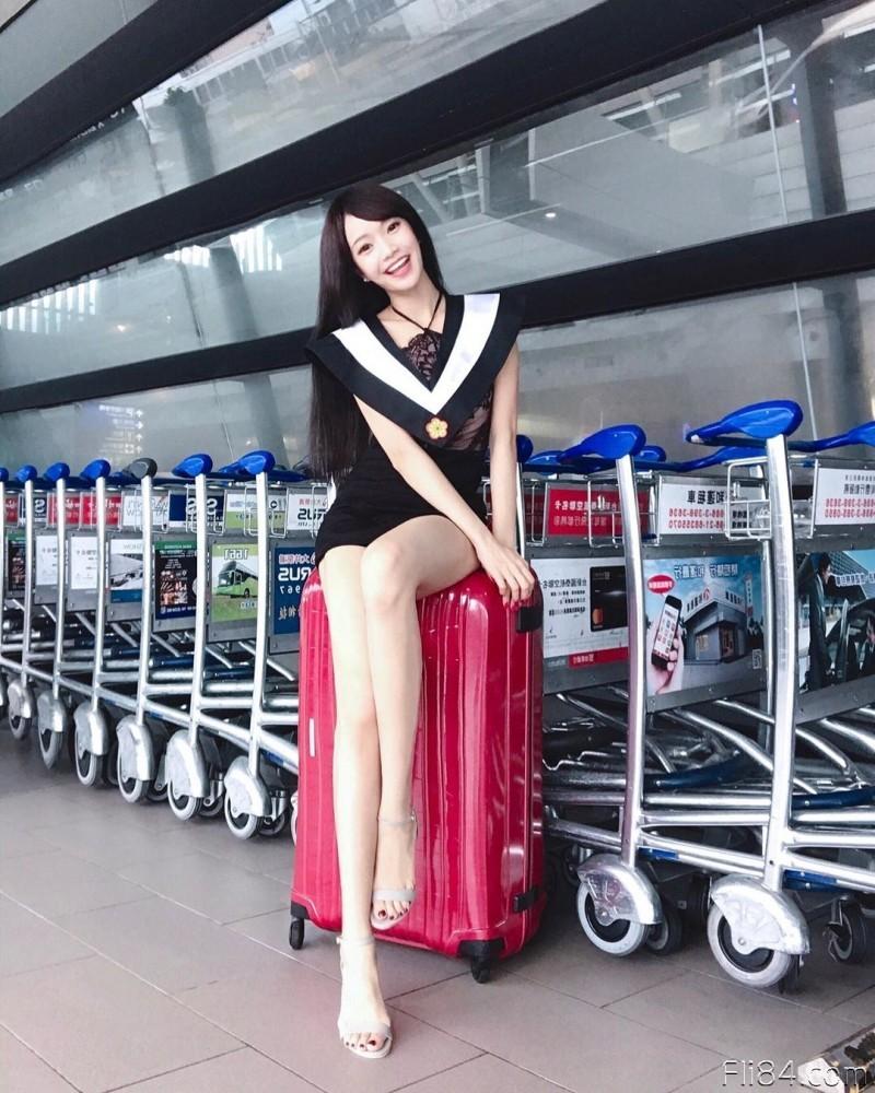 "【6upoker】对岸的美腿女主播""Kittie,跑到上海当空姐,居然还是高材生!"