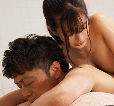 【6upoker】人气偶像「ひなたまりん」爆出丑闻!强制潜规则「暗黑泡泡浴」用肉体赔偿损失!