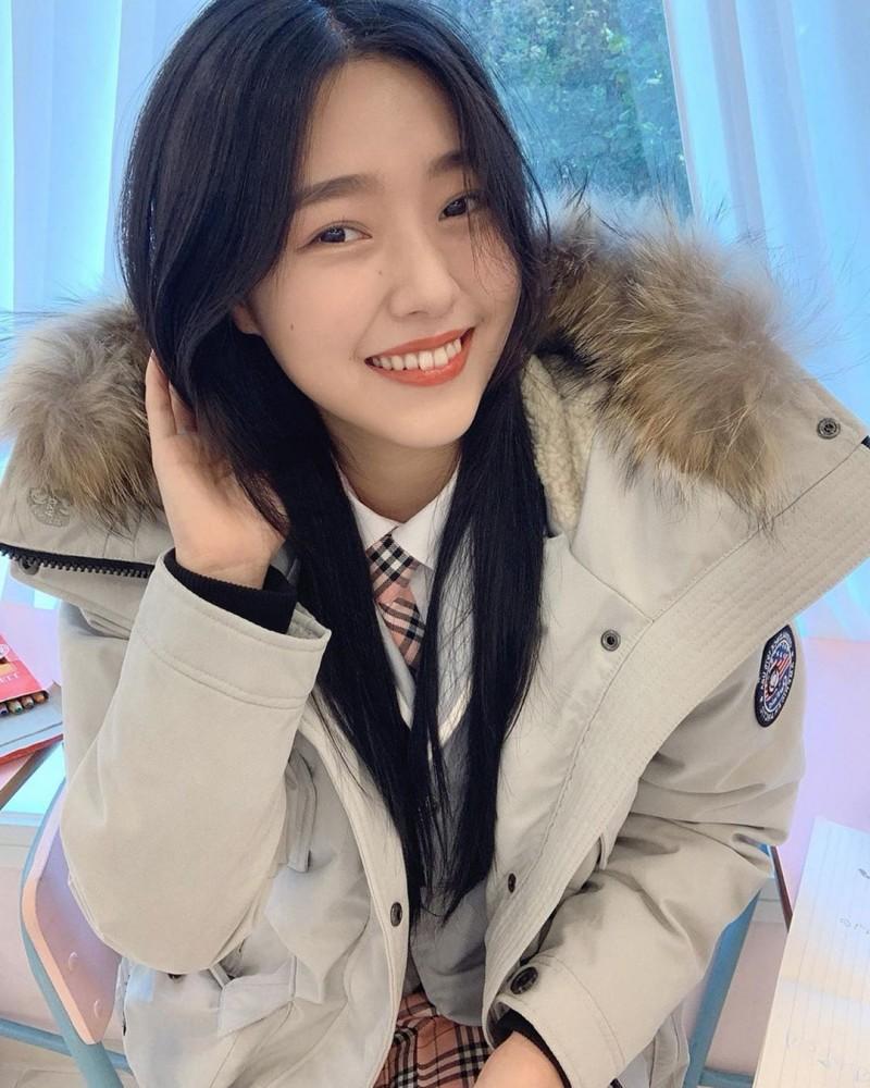 【6upoker】天菜瑜伽老师「정현아」优美身段呈现完美S型开朗自信「甜美笑容」散发满满阳光魅力