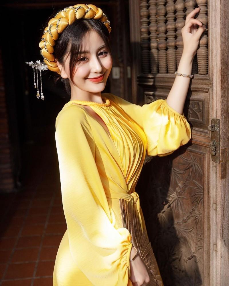 【6upoker】越南仙女系正妹「Chin」零死角美貌超逆天视角