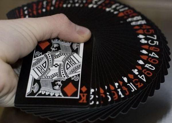 【6upoker】德州扑克为何不用这些牌下注?