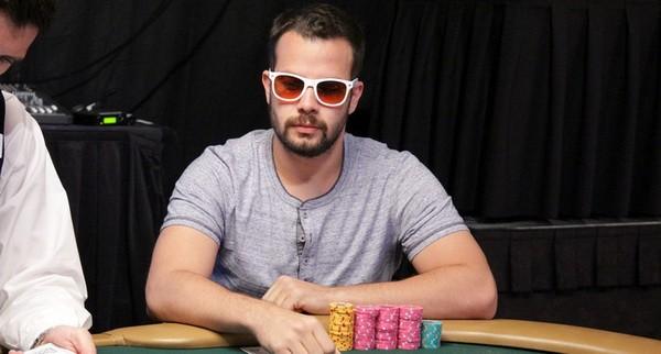 【6upoker】如何提高自己的德州扑克水平