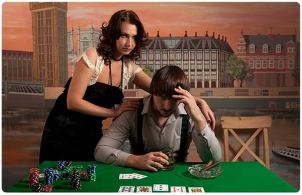 【6upoker】德州扑克玩家要学会打牌顾家两不误
