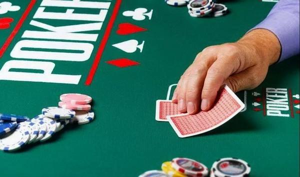 【6upoker】德州扑克牌手不可不知的重要概念:筹码底池比