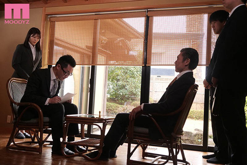 "【6upoker】强制肉体接待!敏感OL""神宫寺ナオ""温泉旅馆遭大叔轮流中出到早上!"