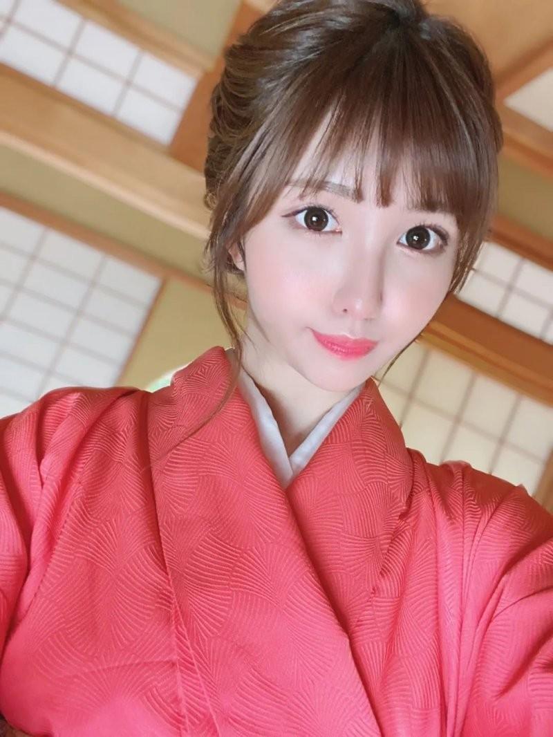 【6upoker】MOODYZ新人朝日奈花恋 有颜值有实力却不是专属演员