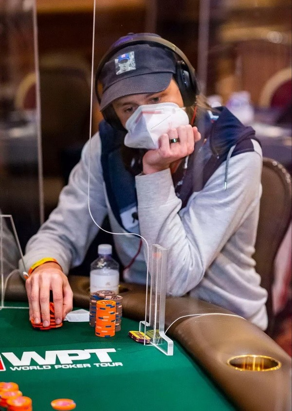 【6upoker】失去重要部位和打WPT决赛桌,Rokita将如何取舍?