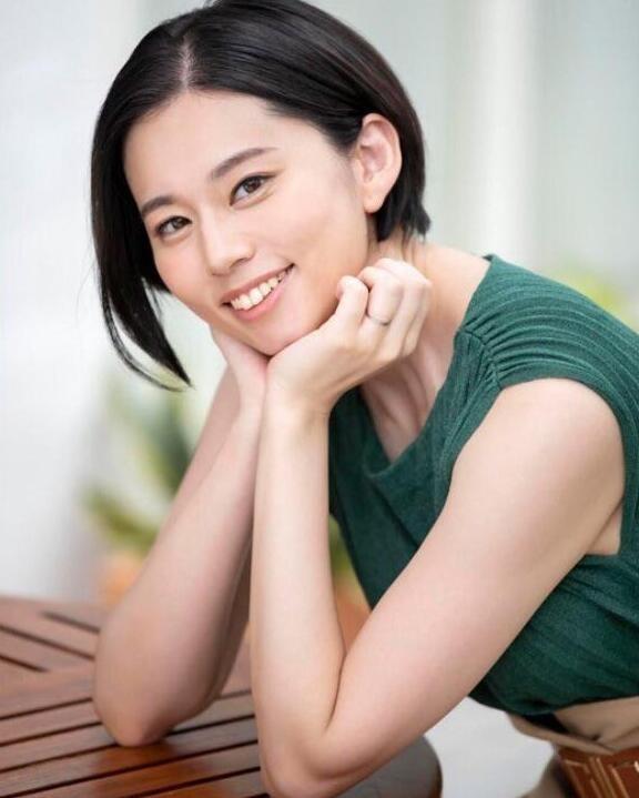 【6upoker】平井栞奈最新作品JUL-523 熟女人妻迷恋年轻肉体