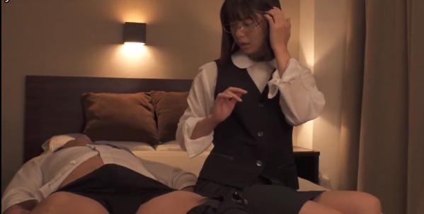 【6upoker】川上奈奈美DVAJ-498 痴女为了满足私欲给后辈下药