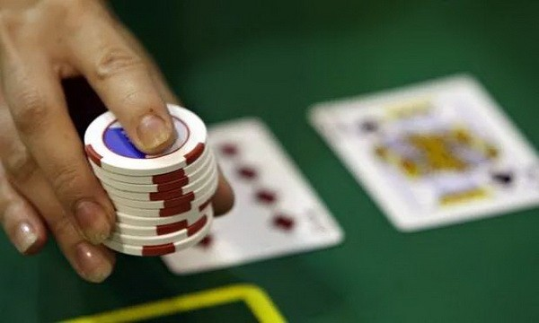 【6upoker】德州扑克学会这几招,不用再受跟注站的气!