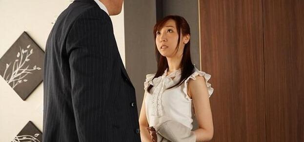 【6upoker】皆川有菜CAWD-089 未婚妻同上司出差酒后滚床单